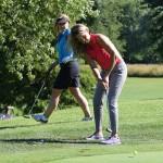 golf-ladies-chip